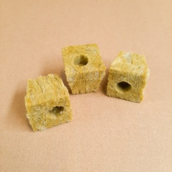 Rockwool Plug (2)